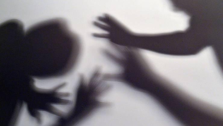 Bei einem Streit in Laufen wurde eine Person verletzt. (Symbolbild)