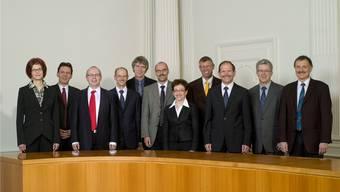 Das Solothurner Obergericht (neuste verfügbare Gruppenaufnahme, 2010) mit Präsidentin Franziska Weber (links) und Gerichtsverwalter Roman Staub (rechts); anstelle des zurückgetretenen Peter Pfister (4. von links) wurde 2012 Karin Scherrer gewählt.
