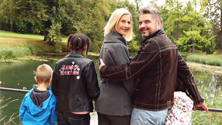 Familie Häseli im Bally-Park – nun nicht mehr zu dritt, sondern zu fünft.
