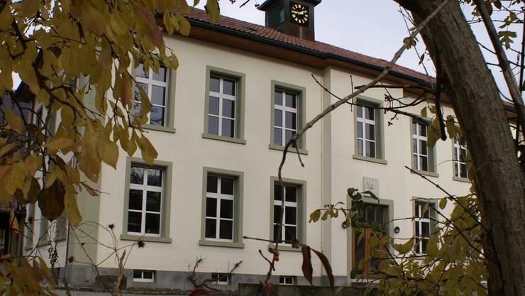 Schule Teufenthal mit Primarschule und Oberstufe.