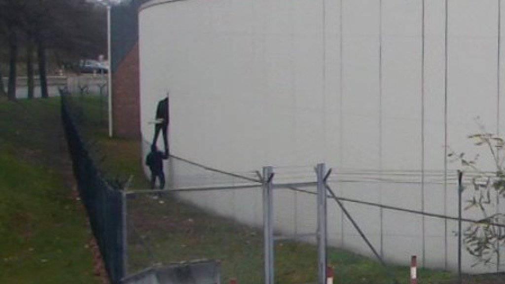 Eine Überwachungskamera filmte den Ausbruch