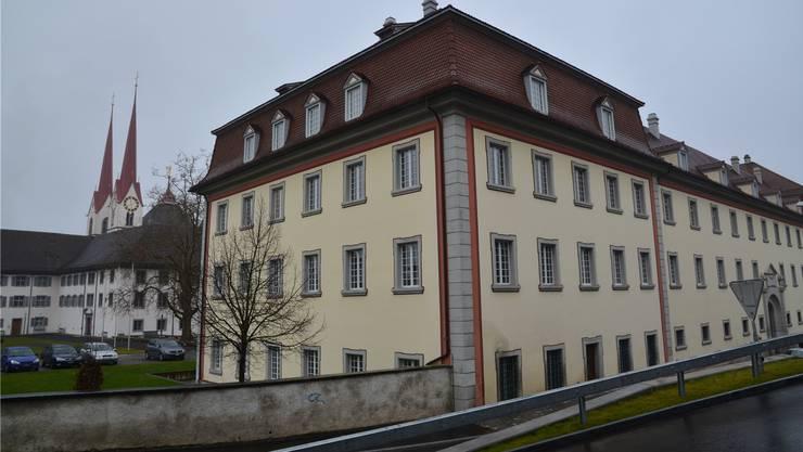 Das Bezirksgericht Muri im Klosterflügel Süd.