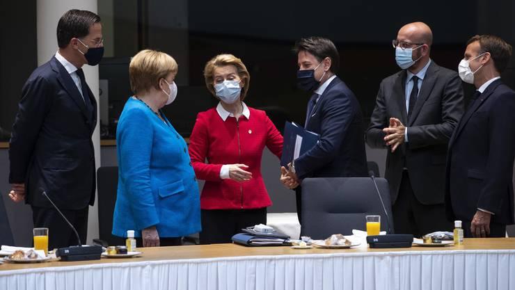 Auch für die EU-Staats- und Regierungschefs gilt: Maske auf!