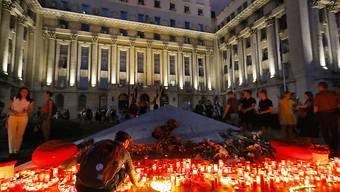 An der Ermordung einer 15-Jährigen in Rumänien hat sich am Samstag eine Massendemonstration gegen die Polizei und Landesregierung entzündet.