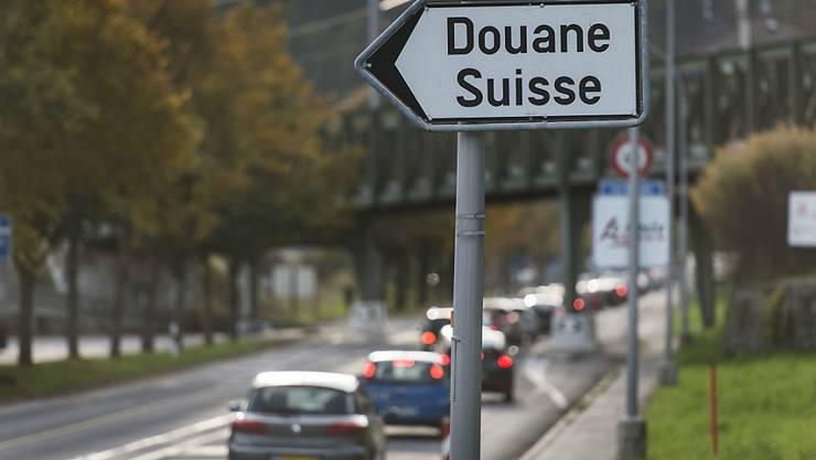Die Initiative der Neuenburger SVP richtete sich vor allem gegen die vielen französischen Grenzgänger, die in der Uhrenindustrie arbeiten. (Archiv)