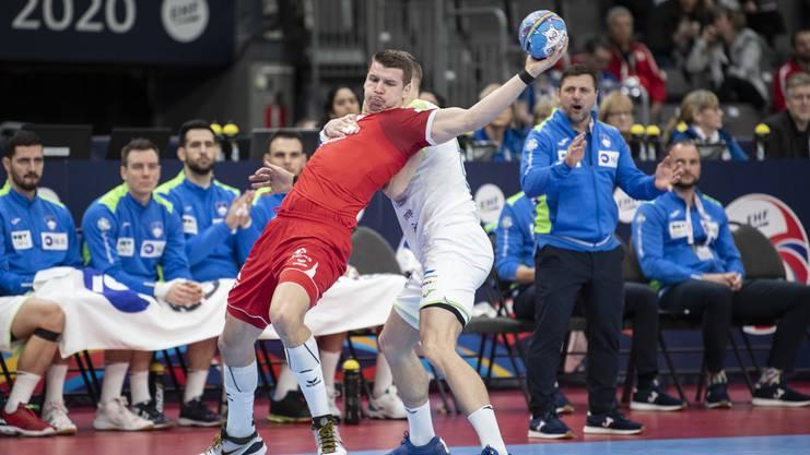 Trotz Steigerung in der zweiten Halbzeit: Dimitrij Küttel musste sich mit der Schweiz gegen Slowenien geschlagen geben.