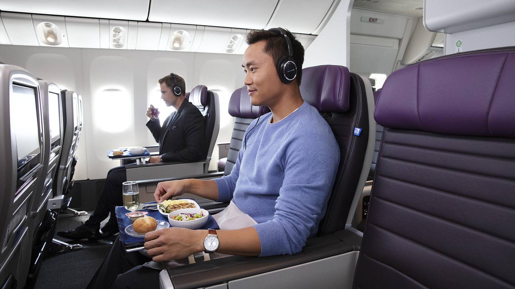 Flug-Vergnügen in der Premium Plus Klasse