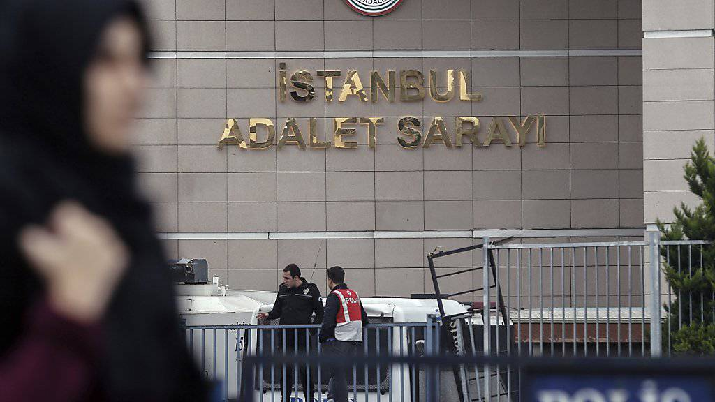 Ein Gericht in Istanbul hat die Freilassung von Menschenrechtsaktivisten aus der Untersuchungshaft angeordnet.