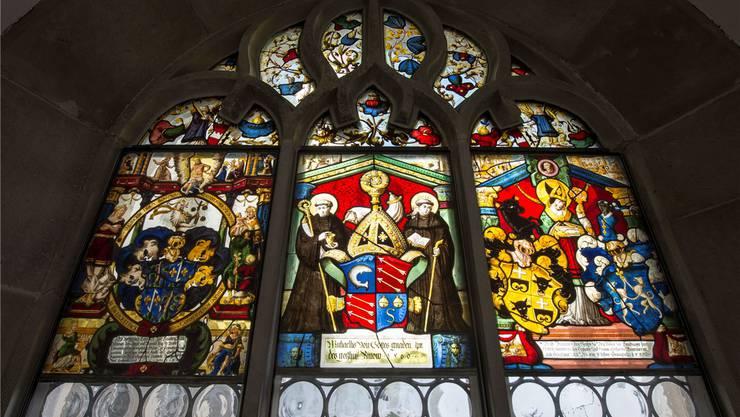 Die Glasfenster im Kreuzgang des Klosters Muri wurden für 1,85 Millionen Franken restauriert. Alex Spichale