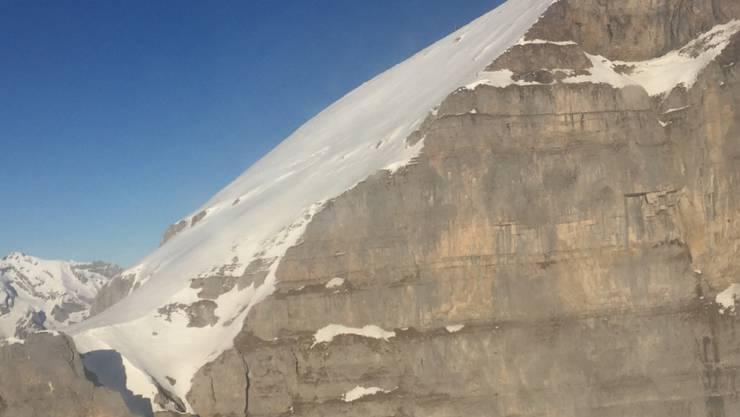 Hier stürzten die beiden Schneeschuhwanderer in den Tod: Westhang des Hinterrugg.
