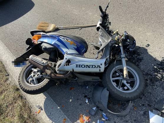 Der Rollerfahrer wurde mittelschwer verletzt.