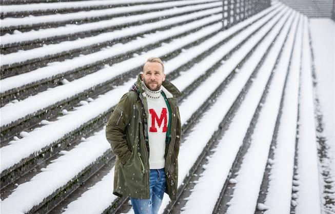 Neuzugang Markus Neumayr während des Fotoshootings mit der Aargauer Zeitung im Brügglifeld.