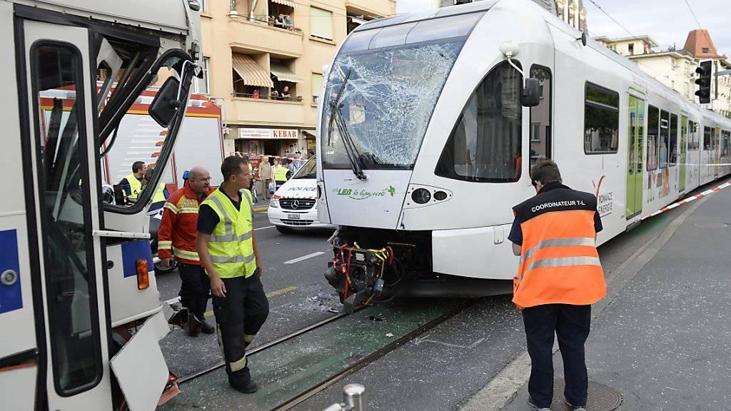Warum der Zug und der Bus in Lausanne zusammengestossen sind, ist nach wie vor nicht geklärt.