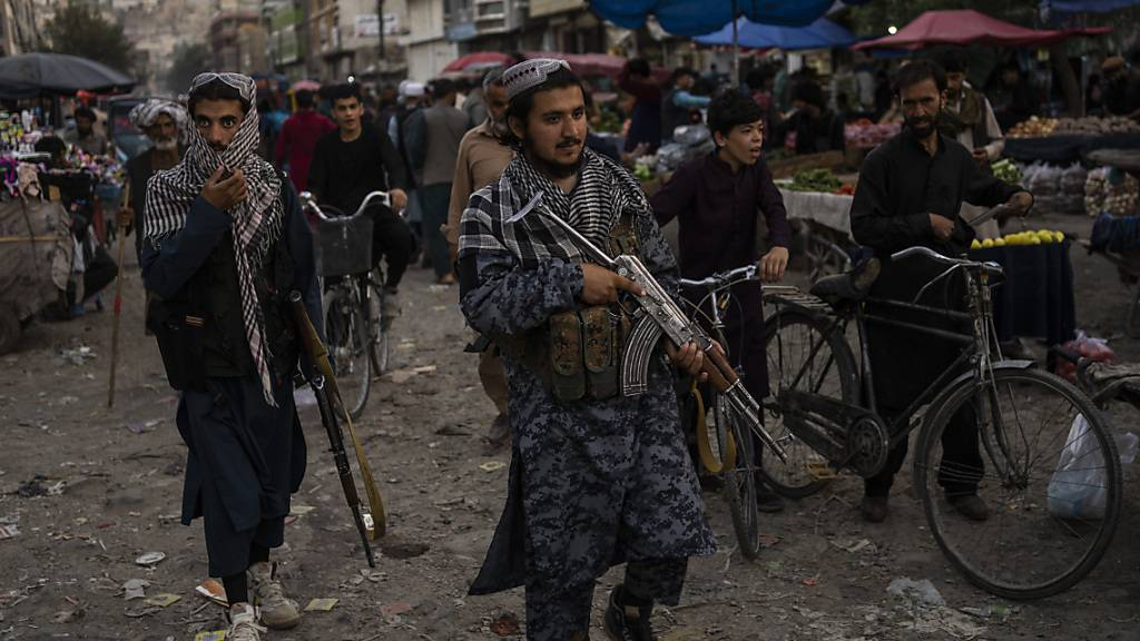 Frauen in Kabul demonstrieren für ihre Rechte