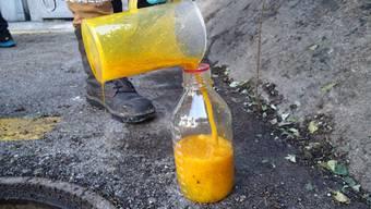 Pflanzenöl auf der Aare bei Olten