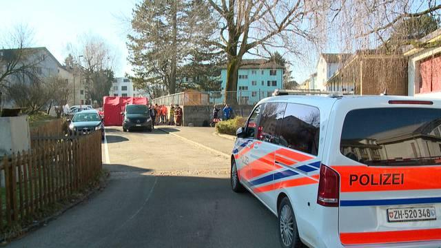 Tote Frau auf Parkplatz in Dübendorf aufgefunden