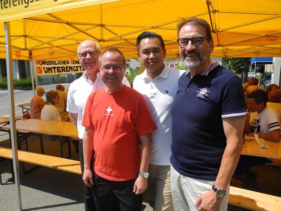 Die Behörden waren vertreten durch (von links).: Gemeindepräsident Simon Wirth, Beat Fries (Schulvorstand), Yiea Wey Te (Hochbauvorstand) und Urs Muntwyler (Wehrvorstand).