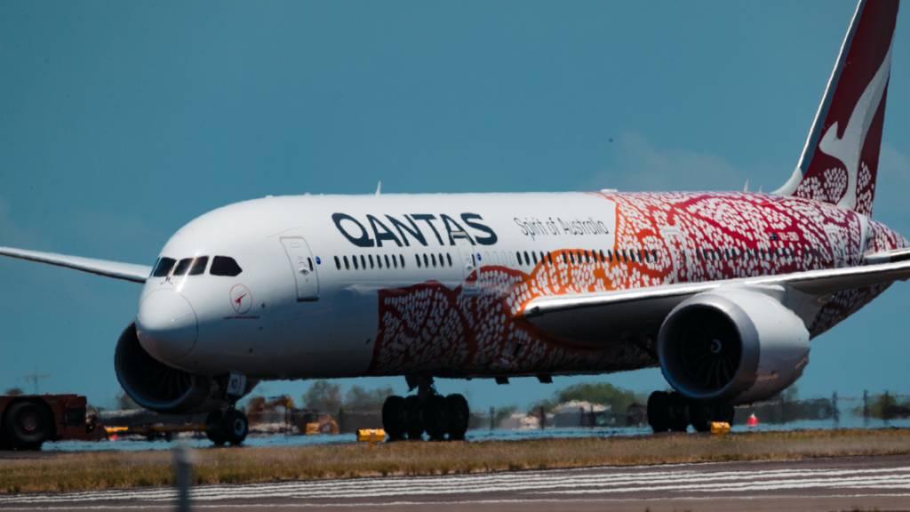 Die australische Fluggesellschaft Qantas verlangt künftig von Passagieren, dass sie gegen Covid-19 geimpft sind. (Archivbild)