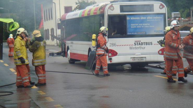 Brand eines Linienbusses (Symbolbild)