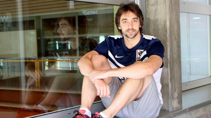 Javier Fernandez spielt bei Futsal bei Mobulu Futsal UNI Bern