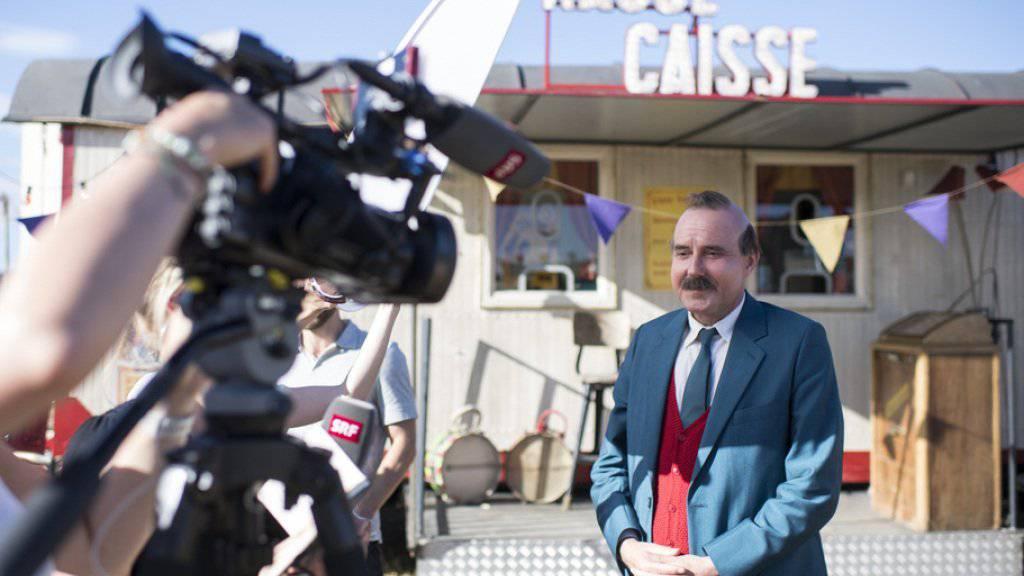 Als pausbackiger Papa-Moll ist er kaum wiederzuerkennen: Schauspieler Stefan Kurt am Set zum neuen Schweizer Familienfilm «Papa Moll». (Keystone)
