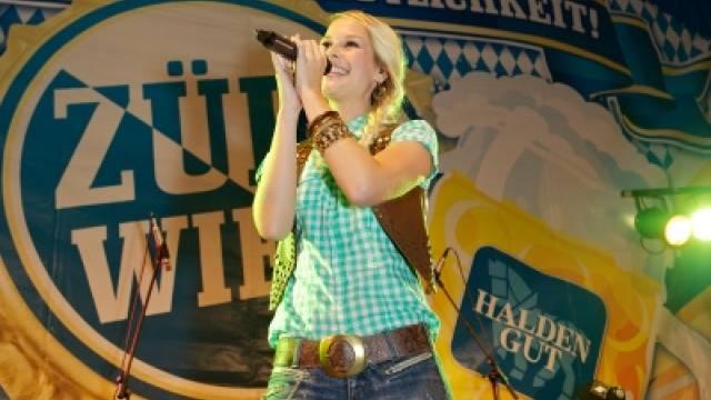 Hofft auf Erfolg im Musikgeschäft: Sängerin Linda Fäh (Webseite)