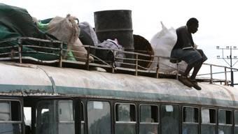 In Simbabwe ist die Sicherheitslage auf den Strassen prekär. Immer wieder gibt es schwere Unfälle. (Symbolbild)