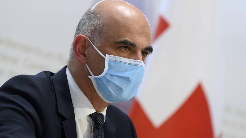 Alain Berset trat am Nachmittag vor die Medien und stellte den Corona-Ausstiegsplan des Bundesrats vor.