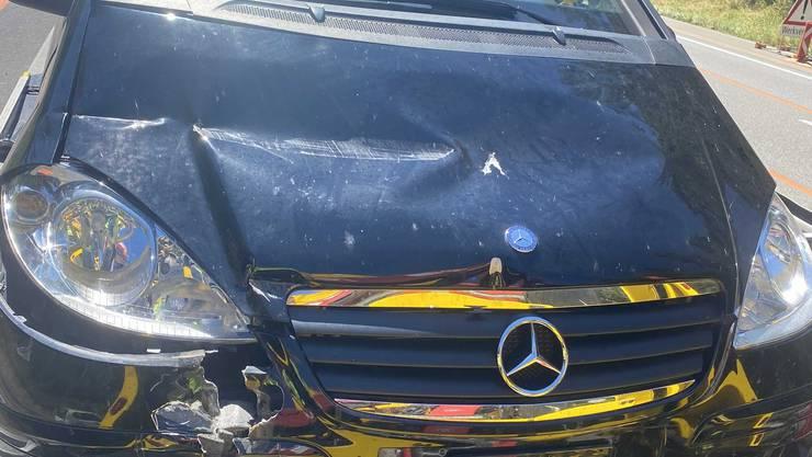 Bei dem Aufprall entstand Sachschaden am Fahrzeug.