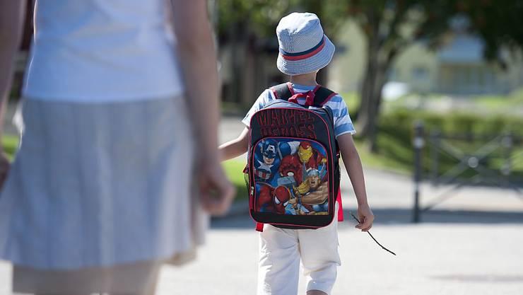 Neue Schilder sollen für mehr Sicherheit für die Kinder sorgen. (Archiv)