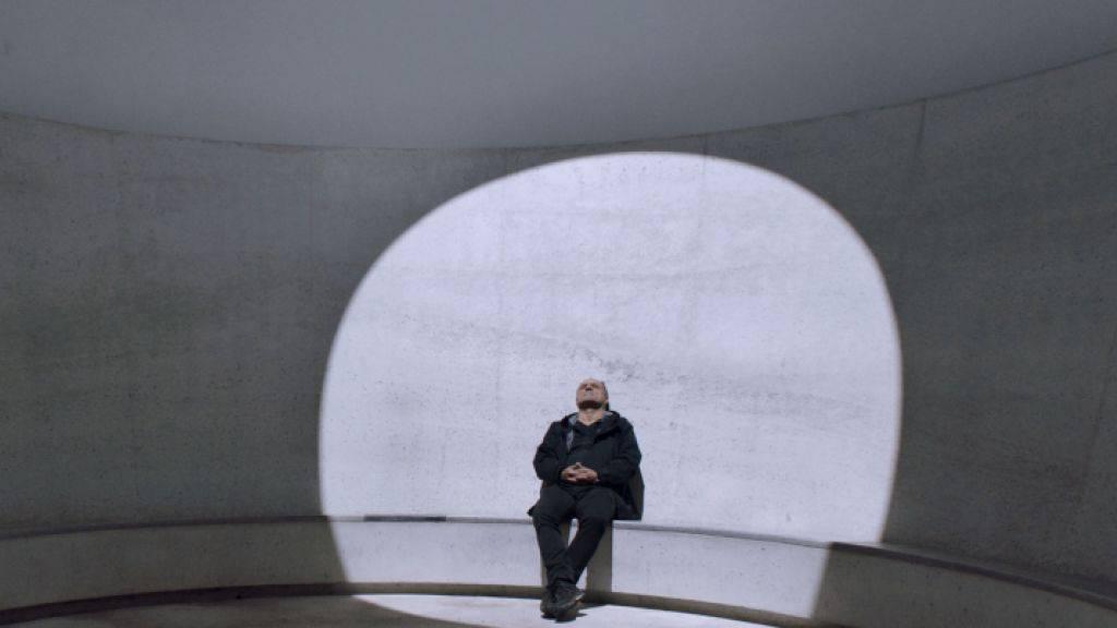 """Erkundet in seinem neuen Dokumentarfilm die Unendlichkeit im räumlich Begrenzten: der Regisseur Christoph Schaub. (Pressebild """"Architektur der Unendlichkeit"""")"""
