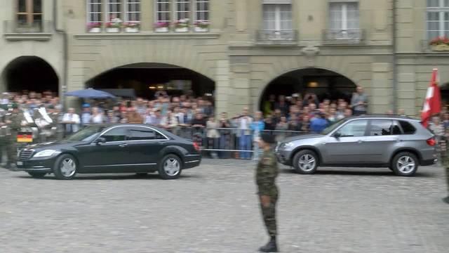 Angela Merkel auf dem Berner Münsterplatz