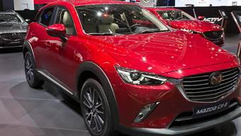 Mazda ruft wegen Brandgefahr weltweit über 100'000 Autos zurück. Darunter sind die Modelle Mazda 2, CX-3 und MX-5. (Archiv)