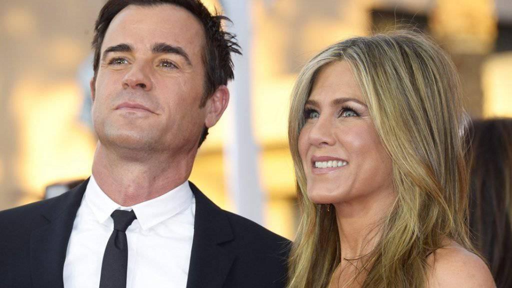 Happy sind Jennifer Aniston und Ehemann Justin Theroux schon lange: Nun sollen Zwillinge das Liebesglück krönen.