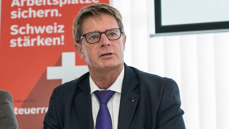 Gabriel Barell vor einem Jahr: Damals weibelte er für die Unternehmenssteuerreform III.