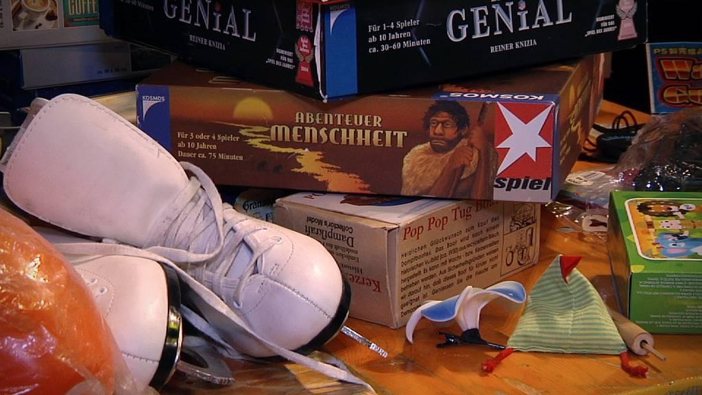 Schlittschuhe, alte Spiele und vieles mehr waren bein Bring- und Holtag im Angebot.