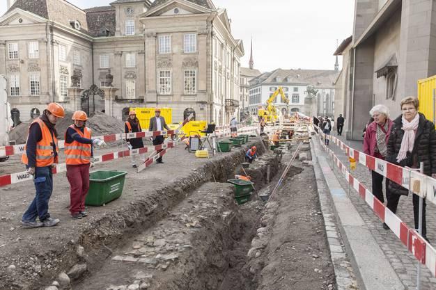 Während der Umbauzeit fanden auf dem Münsterhof archäologische Grabungen statt.