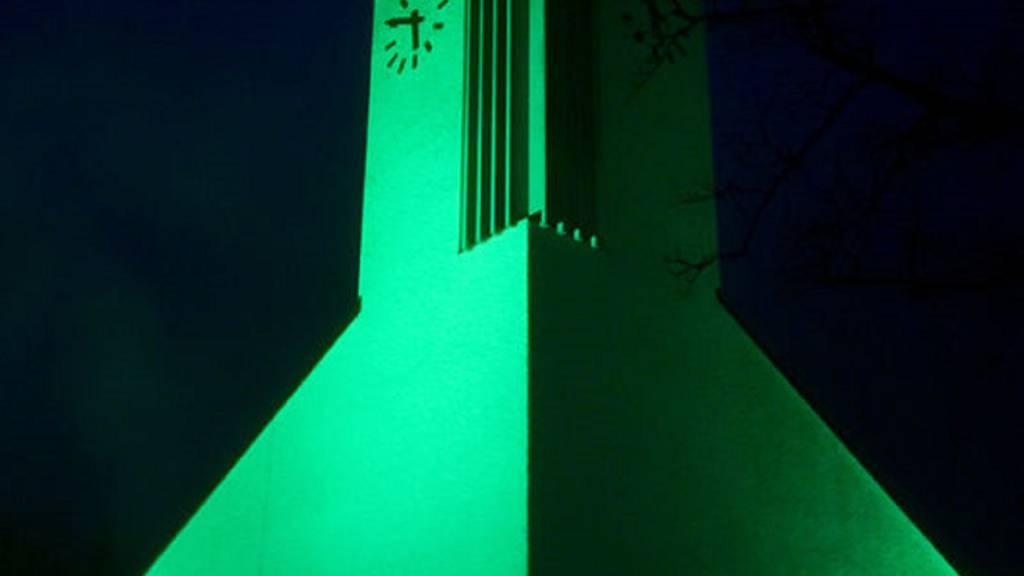 Die Kirch in Lichtensteig (Foto) leuchtet dieser Tage ganz in grün.