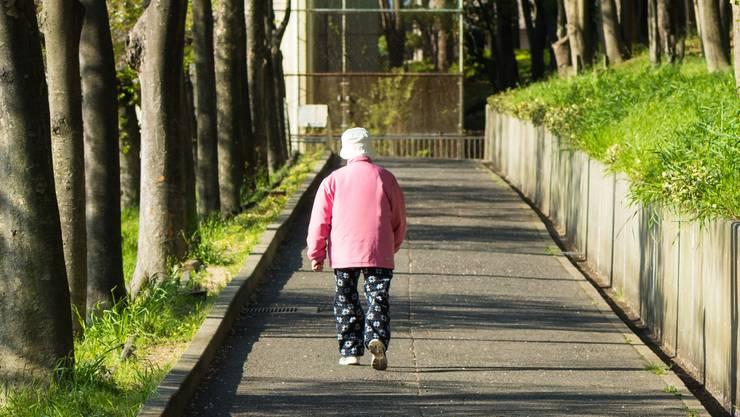 Dass Leute aus Altersheimen weglaufen und deshalb die Polizei ausrücken muss, kommt im Kanton Aargau wöchentlich – teilweise mehrfach, vor. (Symbolbild)