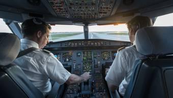 Der Pilot wurde fristlos entlassen, weil er trotz angeblicher Krankheit privat nach Südamerika flog. Das Zürcher Obergericht sieht diese Entlassung als rechtmässig an. (Symbolbild)