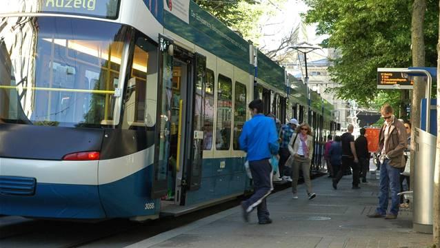 Tatort Tramstation Bahnhofstrasse: Hier kam die Prügelei zu ihrem Ende.