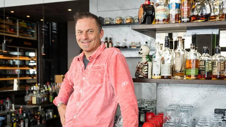 Inhaber Stefan Bütikofer im Mai in der renovierten Rossini-Bar.