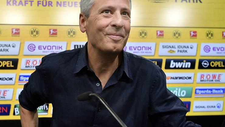Lucien Favre lächelt als neuer BVB-Coach der neuen Saison entgegen