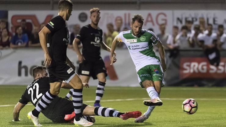 Es war ausgerechnet der Oberbaselbieter Roman Buess in Diensten des FC St. Gallen, der 100 Sekunden später mit seinem zweiten Treffer die Hoffnungen auf zusätzliche 30 Minuten oder gar ein Penaltyschiessen knickte.