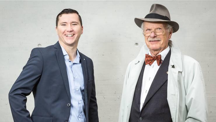 Kurt Strittmatter (FDP) ist erfreut über den jugendlichen Enthusiasmus von Timon Gischig (parteilos). Chris Iseli