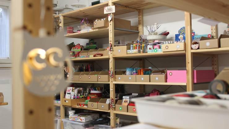 An einzelnen Tagen ist die «Wichtelwerkstatt» in Andrea Eichenbergers Keller auch für Slebstbastler geöffnet.