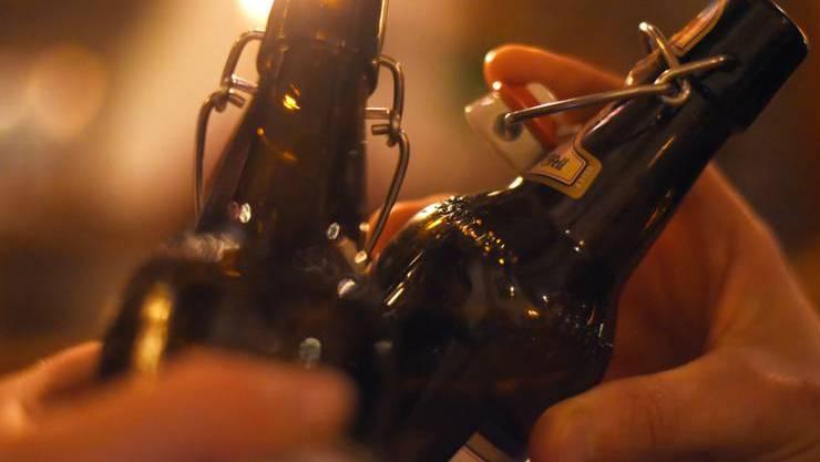 Wie der Betrunkene seinen Alkohol-Pegel derart in die Höhe getrieben hatte, ist nicht bekannt. (Symbolbild)