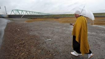 Ein Mönch bei einer Zeremonie für die Tsunami-Opfer (Archiv)