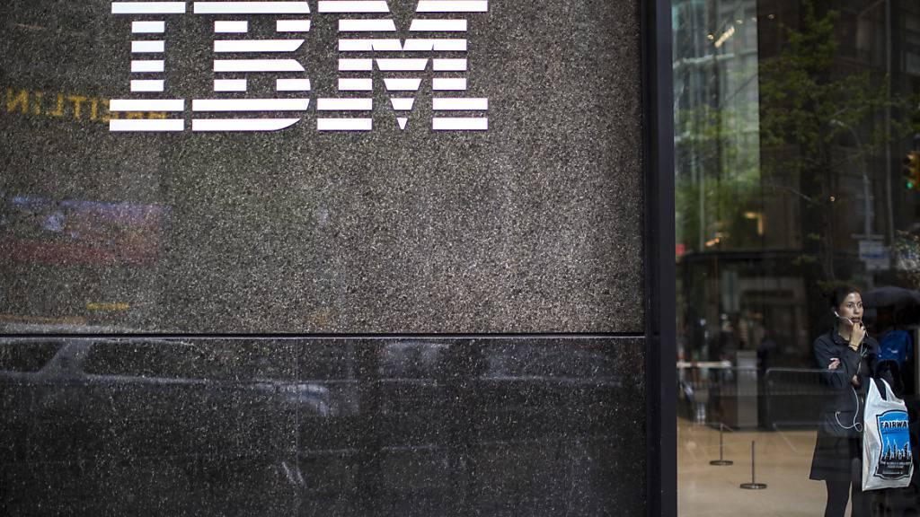 Beim IBM-Konzern fielen die Erlöse im vierten Geschäftsquartal um 6,5 Prozent auf knapp 20,4 Milliarden Dollar. (Archivbild)