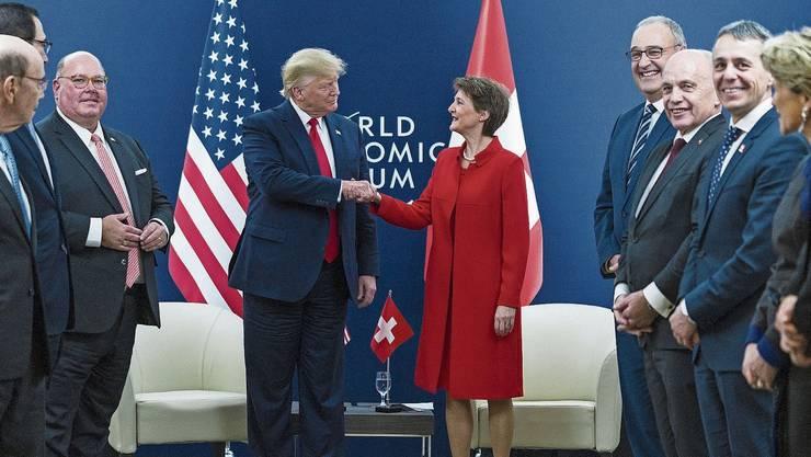 Simonetta Sommaruga beim Treffen mit dem US-Präsidenten Donald Trump. Dabei waren auch die Herren Ignazio Cassis, Ueli Maurer und Guy Parmelin.
